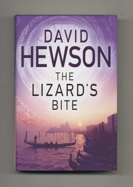 The Lizard's Bite - 1st Edition/1st Impression. David Hewson.